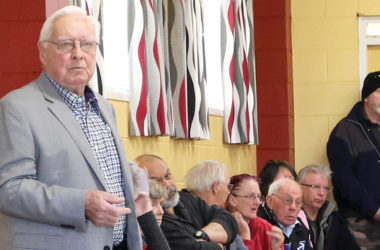 Meeting chair Niel Sowry takes feedback from worried Clubs of Marlborough members. Photo: Paula Hulburt.