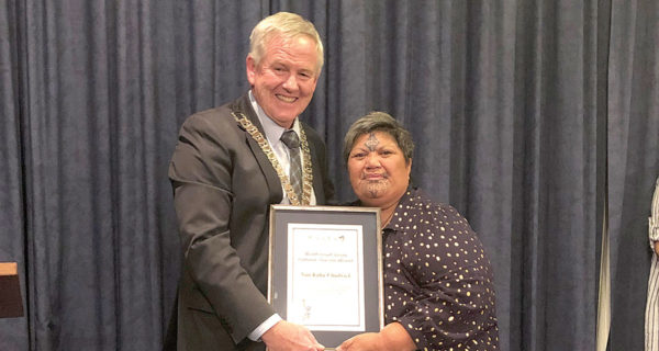 Marlborough Mayor John Leggett presents Nan Kahu Chadwick with her award. Photo: Toni Gillan.